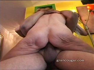 Hot old cougar with old guy sucks his cock and gets pussy fucked