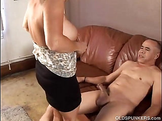 Gorgeous granny loves fuck and eat cum