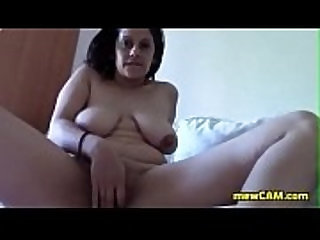Mature woman masturbating online on sexvideo.wtf