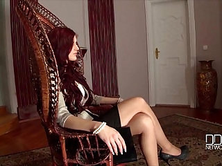 Dominatrix Mira Sunset gets a Bigger Dick then she can Handle