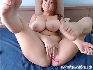 Chubby readhead shows shaved pussy on cam