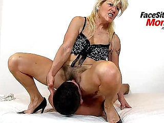 Face sitting and pussy eating feat. hairy pussy grandma Hana