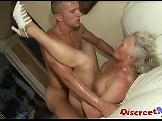 Banging the granny wet pussy