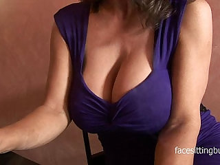 Barman cant resist this cougars huge cleavage