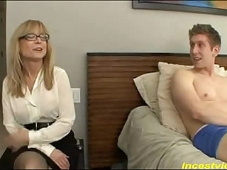 Blonde Sexy Milf Mommy