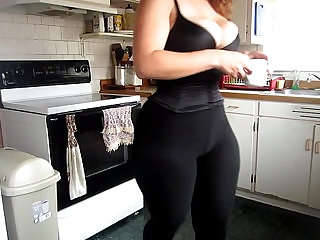 big ass curvy bbw moly wearing leggings