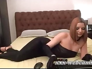 Bob haircut beauty black leggings and gloves webcam show