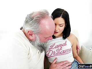 Euro Annie Wolf enjoys being licked by a grandpa n suck his cock