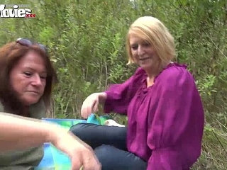 FUN MOVIES Amateur Mature fucking in the forest