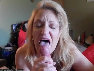 old bitch sucking a huge cock liking the head blowjob tongue